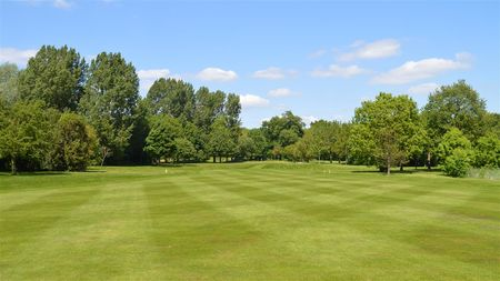 Hinckley golf club cover picture
