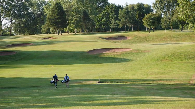 Vicars cross golf club cover picture
