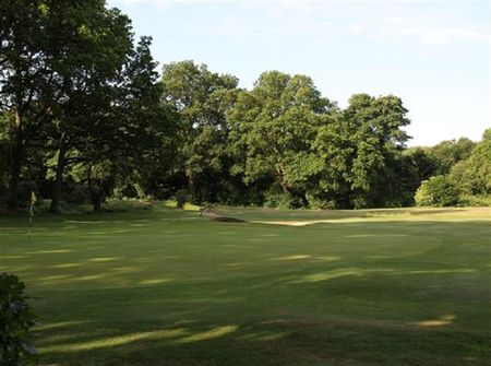 Limpsfield Chart Golf Club Cover Picture
