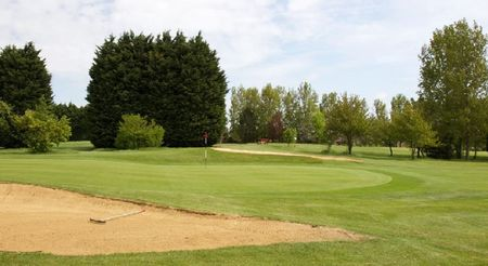 Menzies Cambridge Hotel and Golf Club Cover Picture