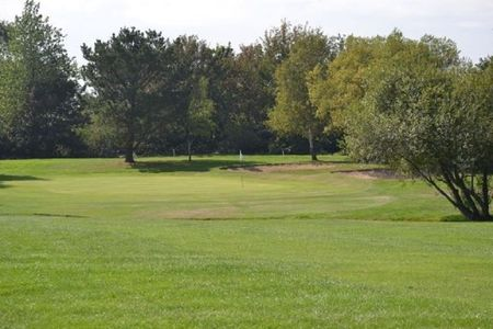 Overview of golf course named Newport Golf Club