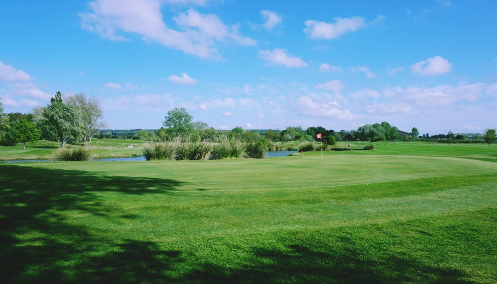 Overview of golf course named Golf d'Avignon Chateaublanc