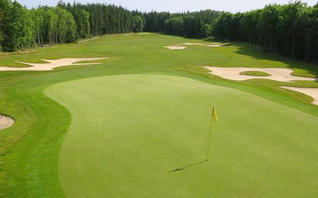 Farnham Estate Golf Club Cover Picture