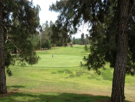 Eaton canyon golf course cover picture