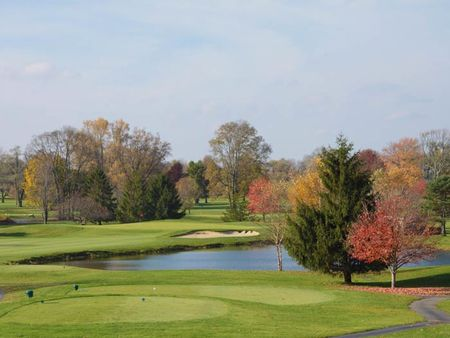 Overview of golf course named Hillview Country Club