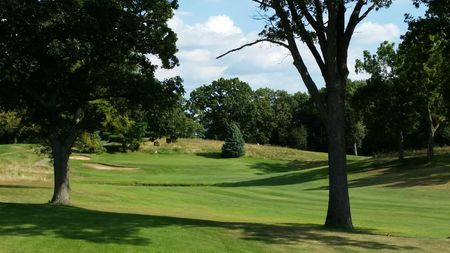 Pond View Golf Course Cover Picture