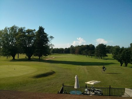 Overview of golf course named Hillview Golf Course