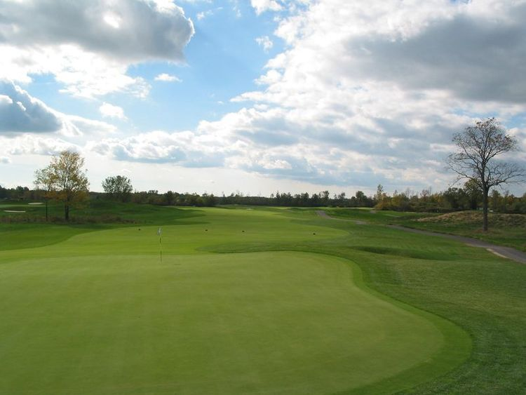 Arrowhead golf club cover picture