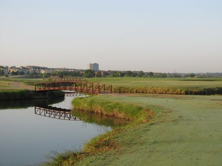 Overview of golf course named Riverside Golf Course