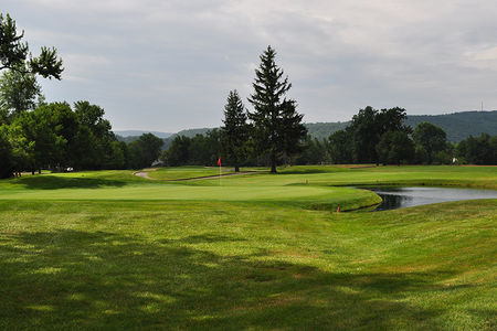 Overview of golf course named Elmira Country Club