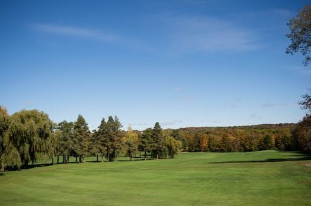 Overview of golf course named Pine Hills Golf Course