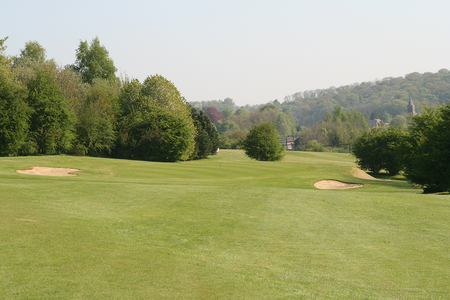 Golf and hotel de falnuee cover picture