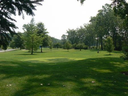 Par-3 Golf at Sandy Bottom Park Cover Picture