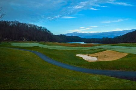 Pete dye river course of virginia tech cover picture