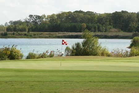 Riverfront Golf Club Cover Picture