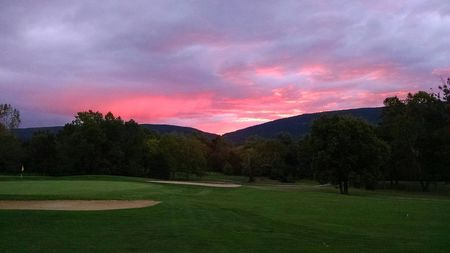 Overview of golf course named Shenvalee, The
