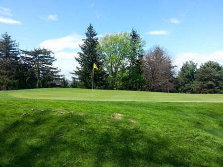 Overview of golf course named Spotswood Country Club