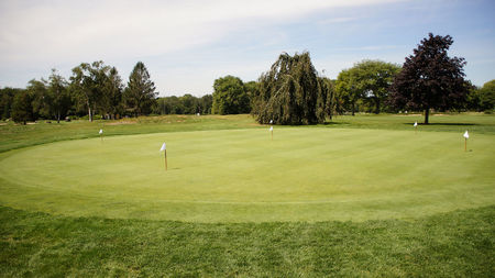 Overview of golf course named New London Country Club