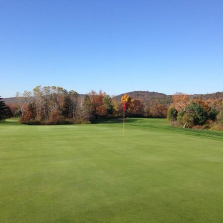 Simsbury Farms Golf Club Cover Picture