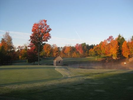 Loudon golf club cover picture