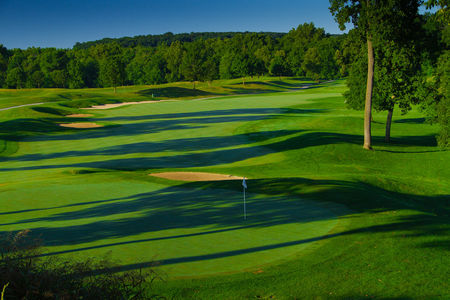 Regents' Glen Country Club, The Cover Picture