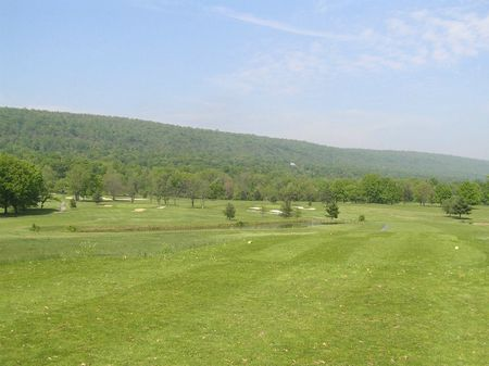 Sportsman s golf course cover picture