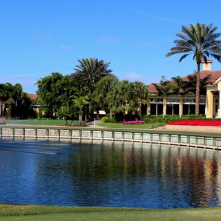 Colonial golf and country club cover picture