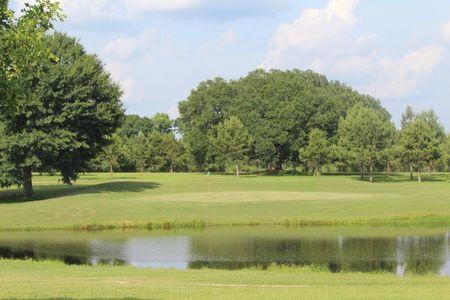 Oak Lake Golf Course Cover Picture