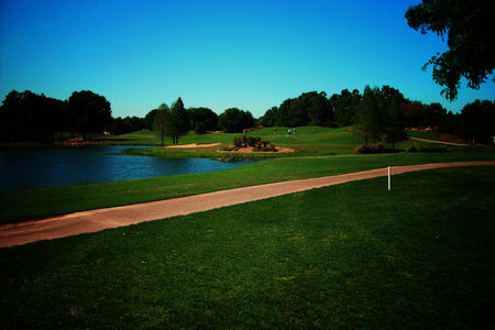 Overview of golf course named Royal Oaks Golf Club