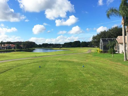 Crescent Oaks Country Club Cover Picture