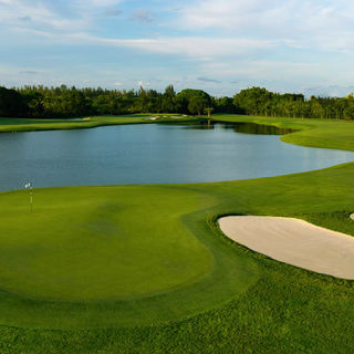 Trump national doral miami the blue monster cover picture