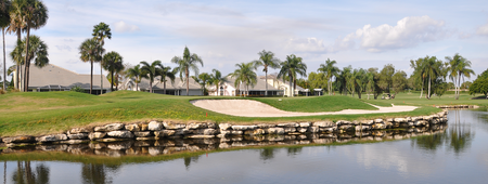 Grand lacuna golf club cover picture