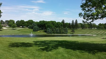 Round Grove Golf and Country Club Cover Picture