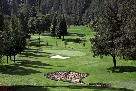 Overview of golf course named Meadowood Golf Club