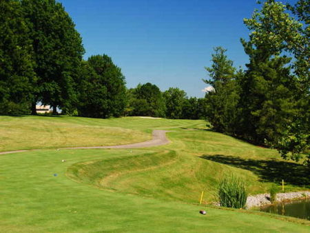 Overview of golf course named Summit Hills Country Club