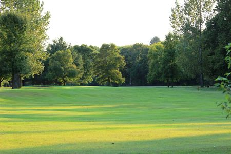 Stones Throw Golf Course Cover Picture