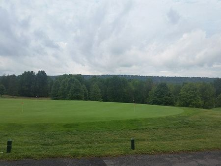 Green Knoll Golf Course Cover Picture