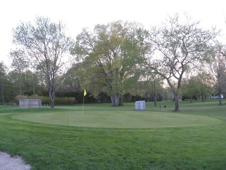Twin Willows Par 3 Golf Course Cover