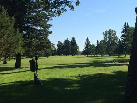 Overview of golf course named Mcville Country Club