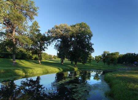 Larimore Golf Club Cover Picture