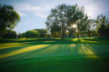 Swan Lakes Golf Course Cover Picture
