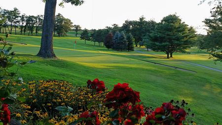 Hiawatha Golf Club Cover Picture