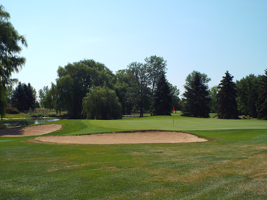 Overview of golf course named Mid Vallee Public Golf Course