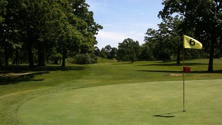 Twin lakes country club cover picture