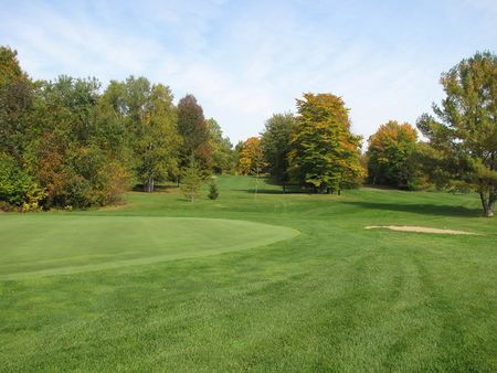 Overview of golf course named Parkway Golf Club