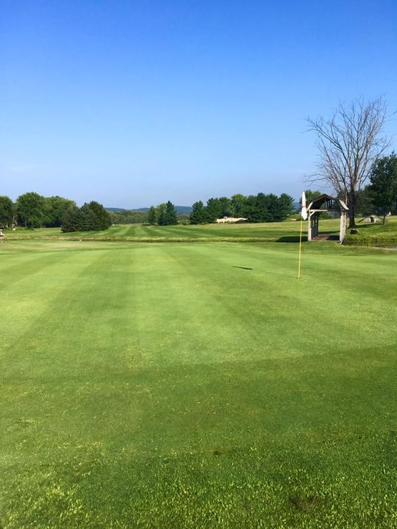 Barnyard golf course cover picture