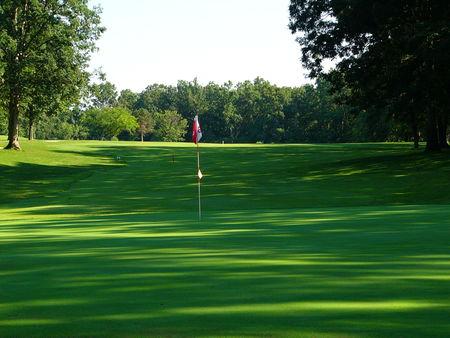Saint elmo golf club cover picture