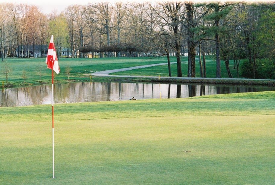 Cardinal golf course cover picture