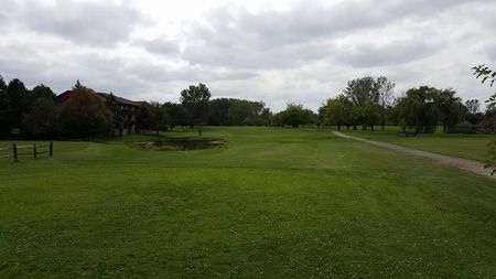 Country lakes golf club cover picture