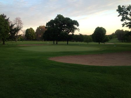 Sandy hollow golf course cover picture